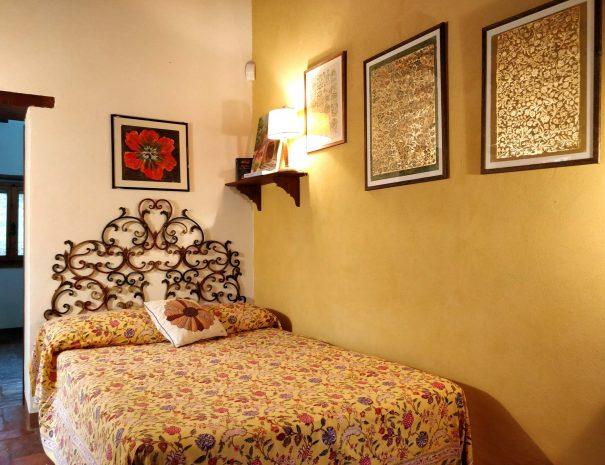 15-Le-Volpaie-bedroom1