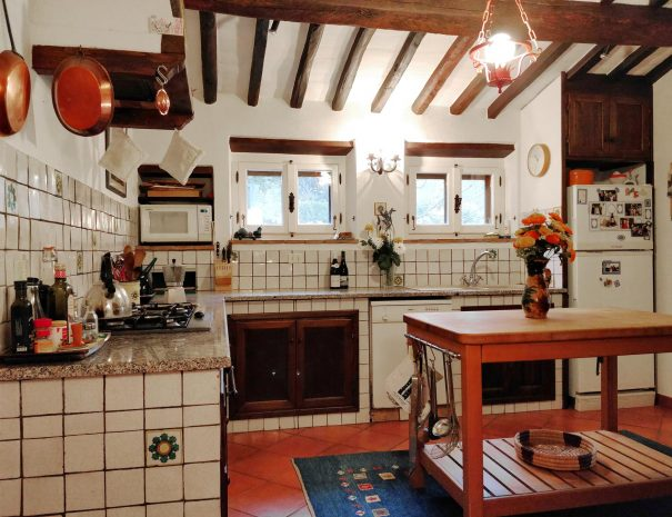 9-Le-Volpaie-kitchen